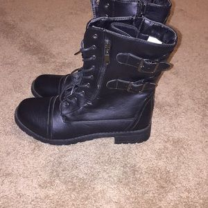 Shoes - BLACK COMBAT BOOTS WITH SIDE BUCKLES SIZE 10